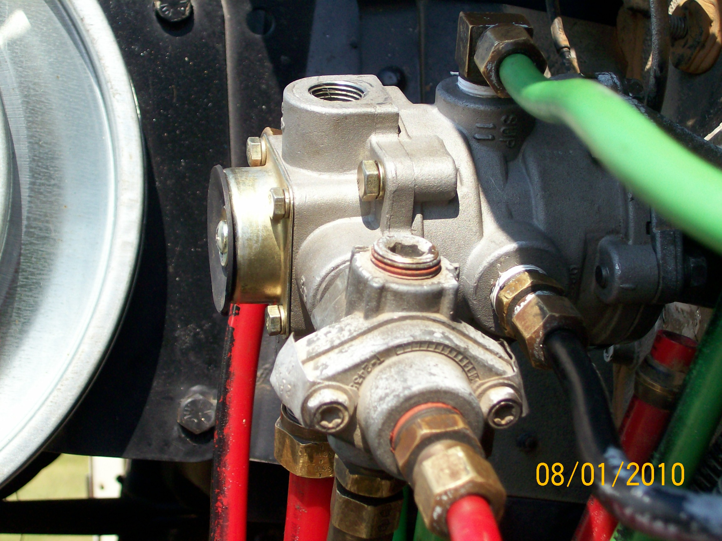 Air Brake Foot Valve Diagram I Have Replaced The Foot Valve 95 Freightliner Fld 120 The Primary